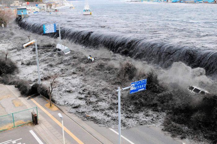 Contoh Teks Eksplanasi Singkat Tentang Tsunami