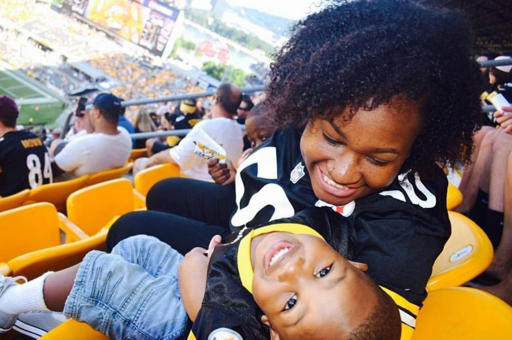 30 Fall Family Fun Activities - Attend A Game