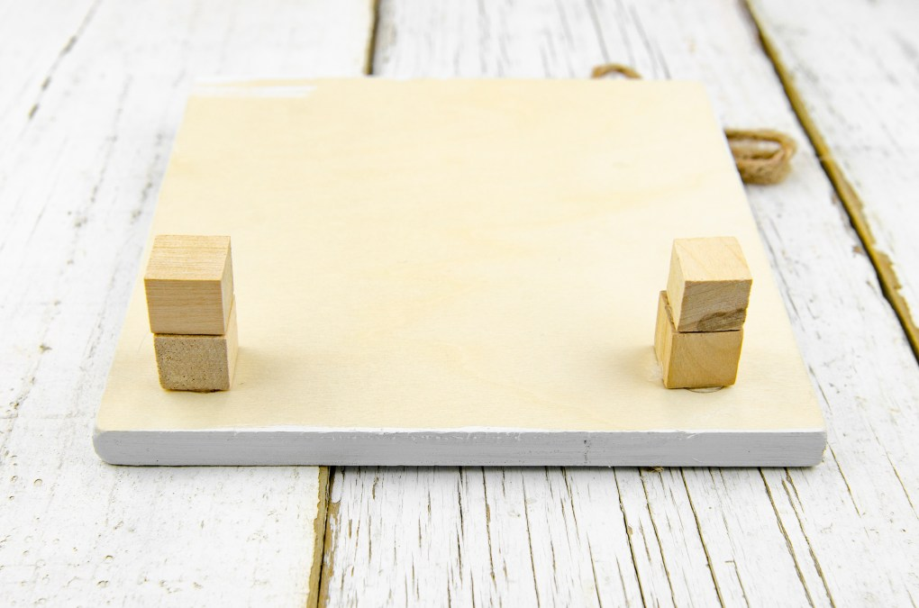 Add small blocks to let the easel or frame sit by itself.