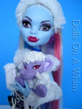 Mattel Monster High doll Abbey Abby Bominable School Outfit Shiver pet