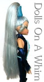 Mattel Winx Club Witch Icy high ponytail side