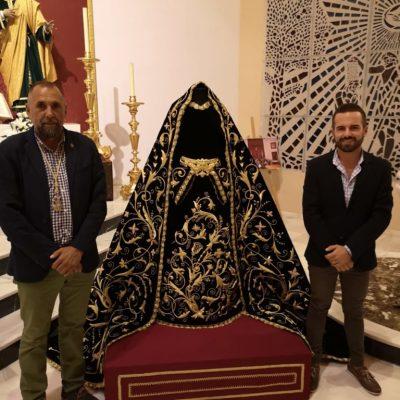 Nuestro Hermano Mayor, D. Enrique Luque con nuestro vestidor y profesor D. Javier Nieto