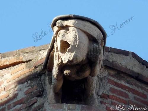 escultura gárgola catedral