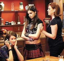 Amy (Shailene Woodley), Ashley (India Eisley) and Anne (Molly Ringwald)