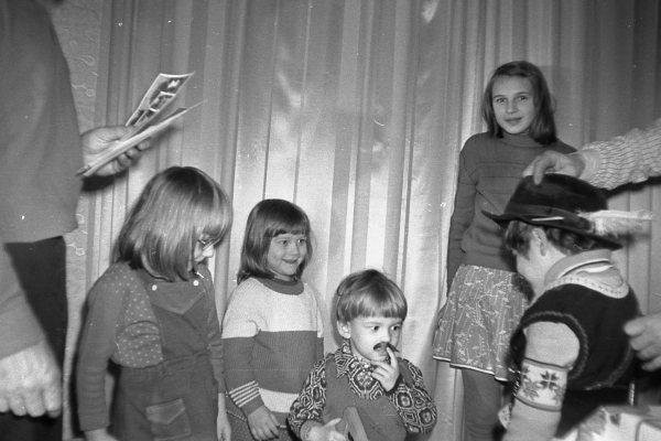 Я самая большая из детей. С братишками и сестричками в Новый год в нашей новой квартире