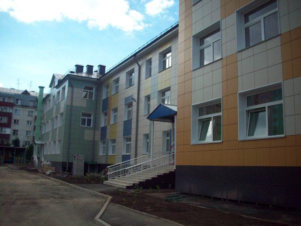 Новый детский сад с одной стороны