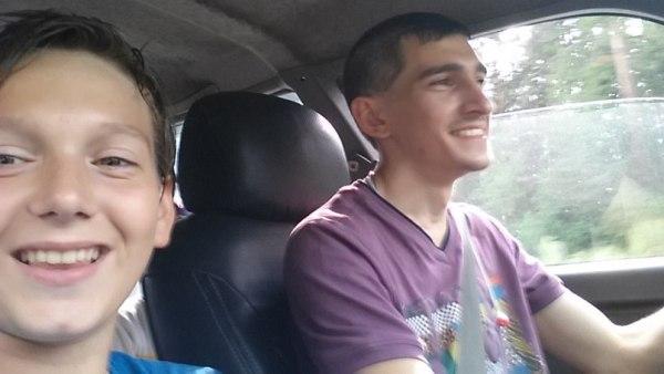 Артём за рулём с Даней