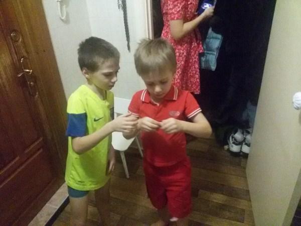 Мальчишки: Егор и Ваня