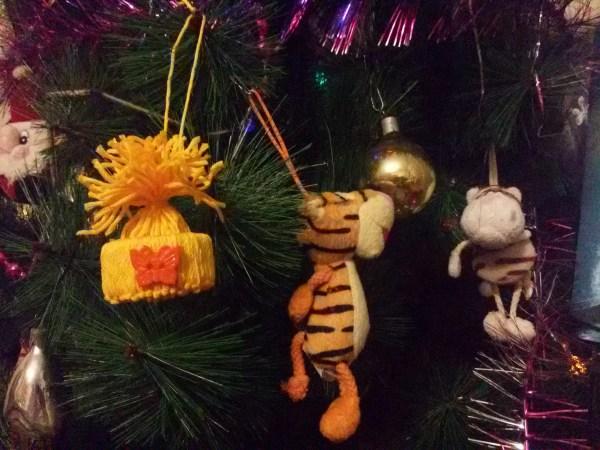 С Егором сами сделали ёлочную игрушку Снегиря