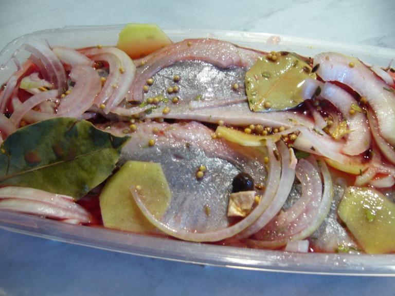 Пряный посол рыбы целиком по классическому рецепту фото