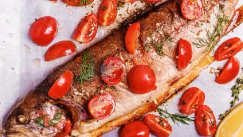 Супер вкусная и сочная форель, запеченная в духовке в фольге с овощами (лучший фото-рецепт)