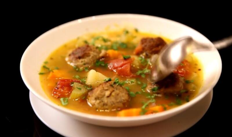 Сиыр етінің еті - классикалық рецепт-реабельден жасалған дәмді сорпа