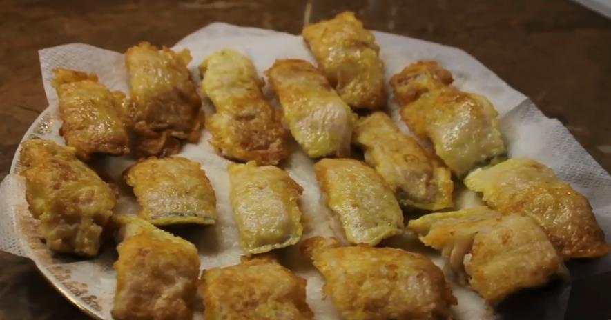 Ikan Mintai dipanggang dalam kuali dalam tepung dan telur - resipi yang lazat dan mudah