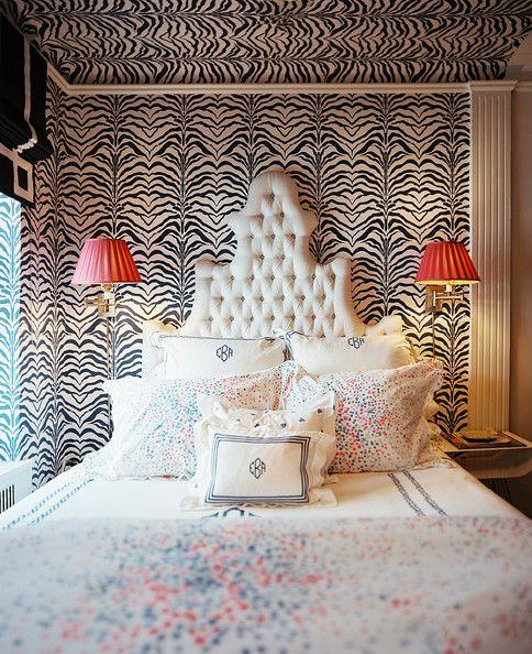 eklektická spálňa so zebrovým vzorom (2)