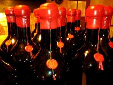 Photos - Le sceau des bouteilles du Viala