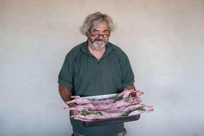 Photos - Régis cuisine du lapin au Domaine du Viala