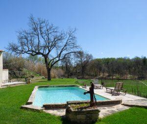 vaucluse maison vacances été hiver cheminée piscine privée