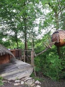 Cabane avec spa au Domaine des Vaulx