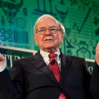 50 intelligent and inspiring quotes on investing and success from #WarrenBuffett