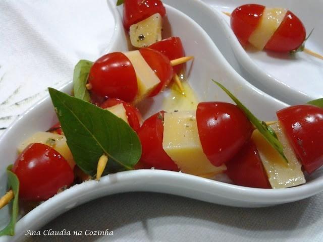 Aperitivo de Tomate e Queijo
