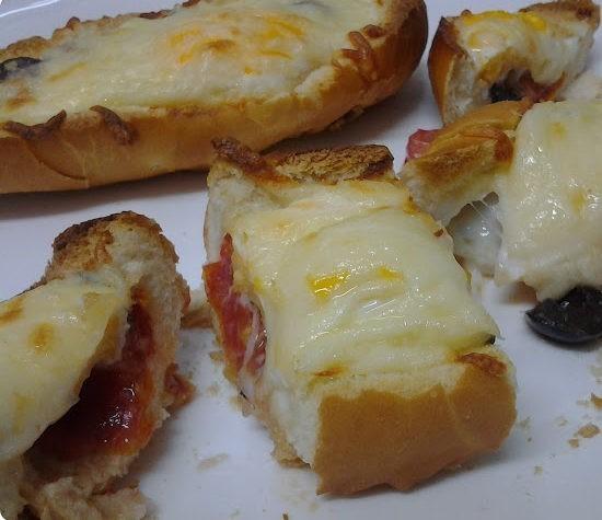 pizza de pão com muçarela