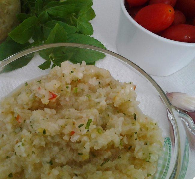 tempero caseiro com ervas e tomate,