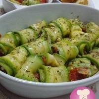 Rolinhos de Abobrinha com Tomate Seco
