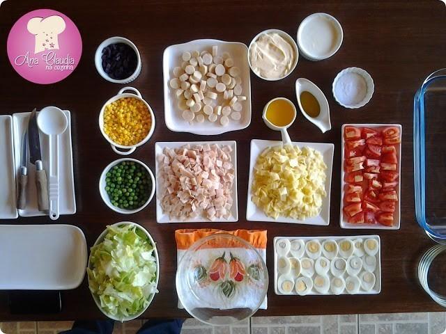 salada montada em camadas