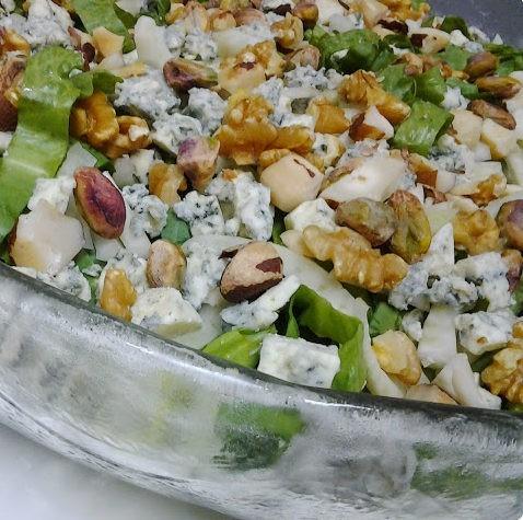 salada de escarola, erva doce e nuts