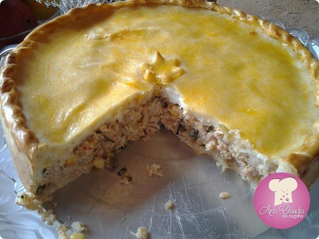 torta salgada de chester ou frango com queijo cremoso