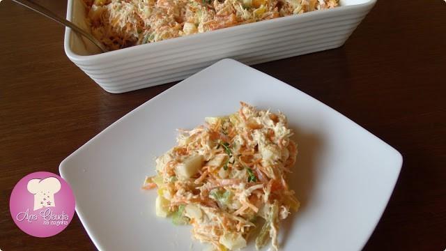 salpicão de frango, salada de frango, salada com cenoura e frango