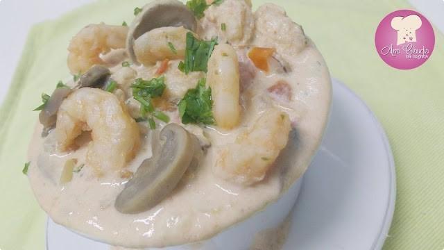 molho de camarão com cogumelo