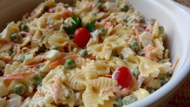 salada de macarrão festiva
