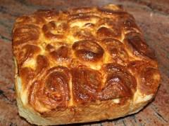 Питка с масло и крема-сирене