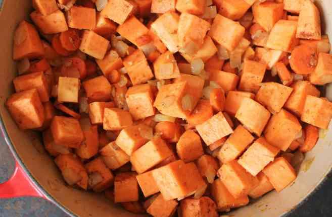 Vegan-Five-Spice-Sweet-Potato-Soup-step-3