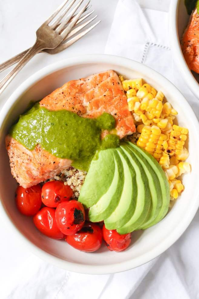 Summer-Quinoa-Bowl-with-Grilled-Salmon-and-Basil-Vinaigrette-2