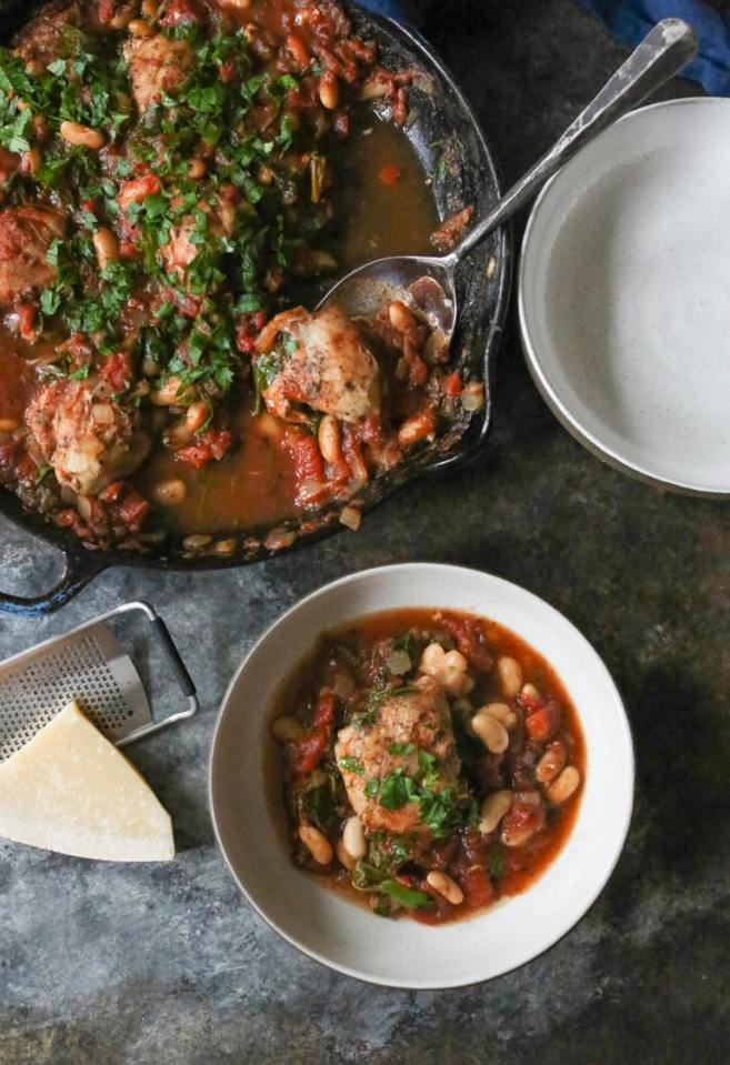 braised-chicken-thighs-with-spinach-white-beans-2