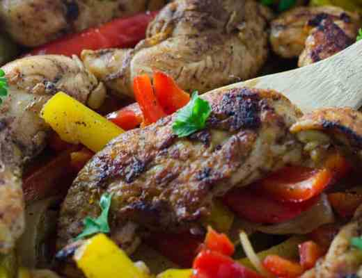 Chicken Fajitas- Who's feeling like chicken tonight? If you are then these easy, delicious and flavorful skillet chicken fajitas are going to fly off the dinner table when prepped for your family! I www.domesticdee.com