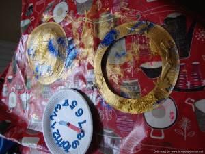 Make a paper plate watch