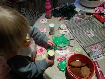 decorate gingerbread trees