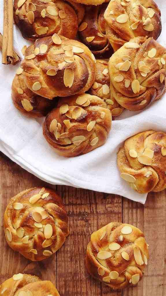 cardamon almond cinnamon buns