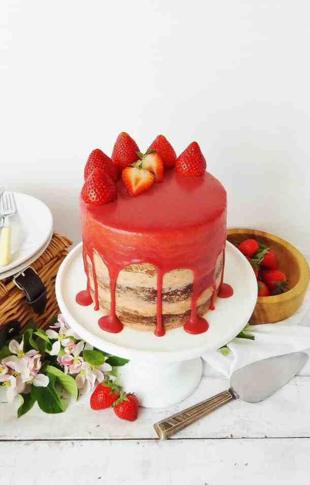 strawberry, elderflower & almond cake with roasted strawberry swiss meringue buttercream & strawberry white chocolate ganache