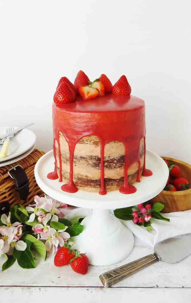 strawberry, elderflower and almond cake