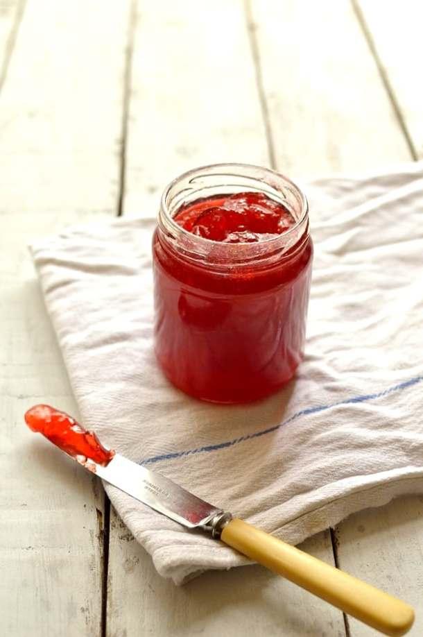 Plum & amaretto jam - Domestic Gothess