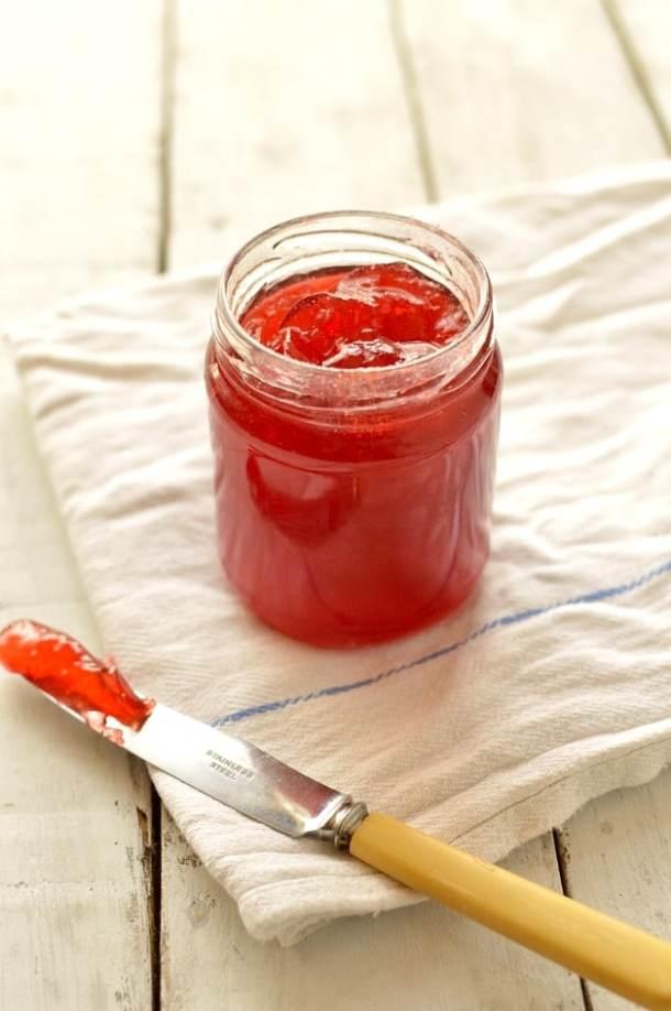 Plum & amaretto jam recipe - Domestic Gothess
