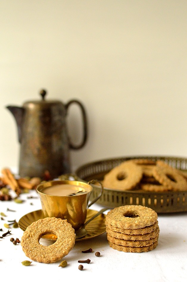 Masala chai spiced shortbread biscuits - Domestic Gothess