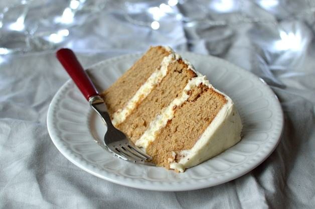 Festive brown sugar buttermilk spice cake with vanilla mascarpone icing - Domestic Gothess