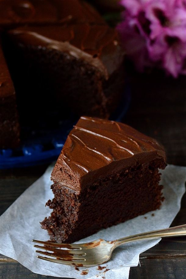 Intense chocolate stout cake with stout ganachde (Guinness chocolate cake)
