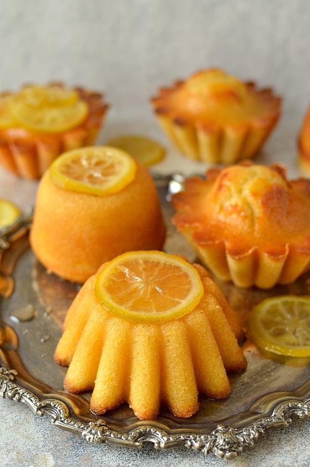Syrupy lemon, olive oil and semolina cakes