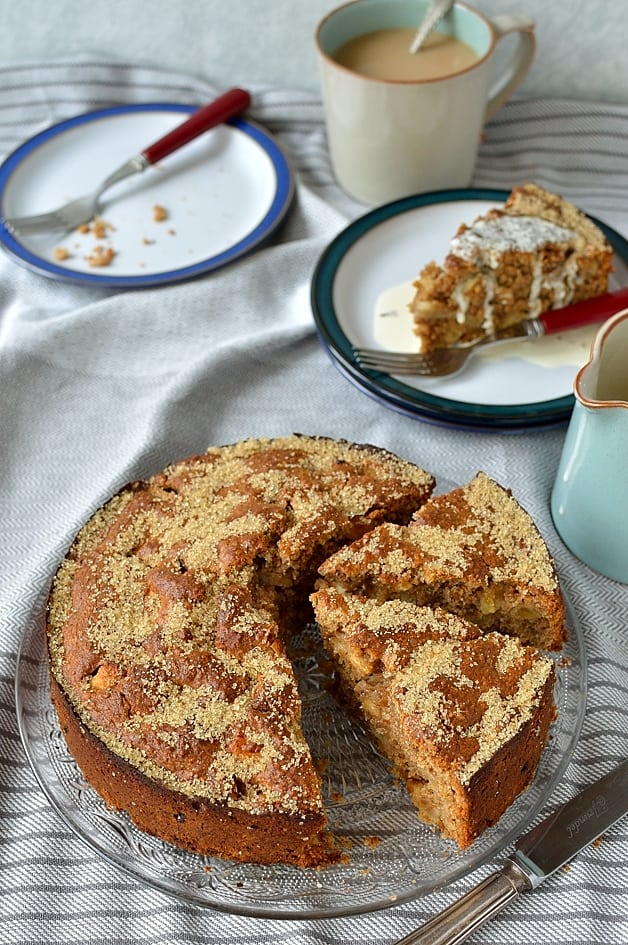 Simple wholemeal apple cake - easy to make, moist wholemeal cake filled with fresh apple and spices